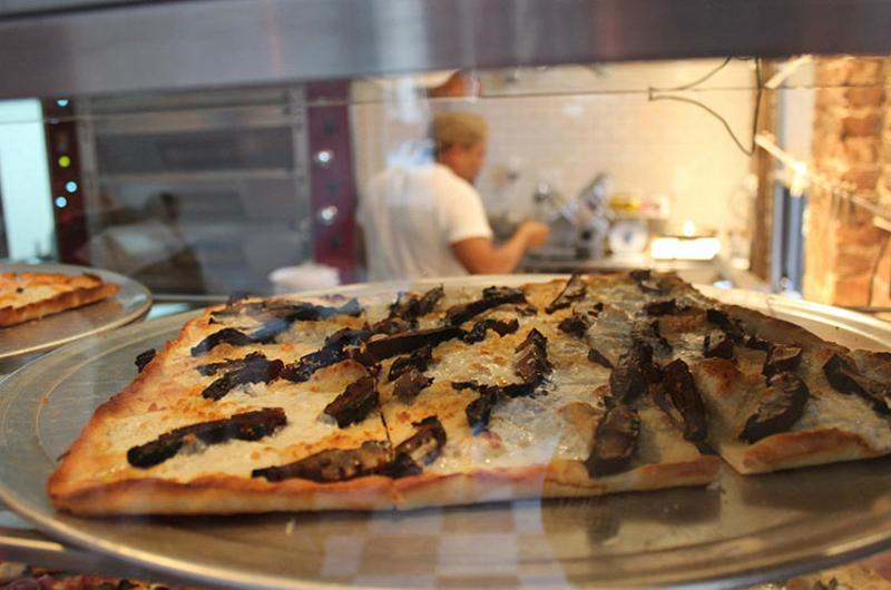 williamsburg pizza mushroom