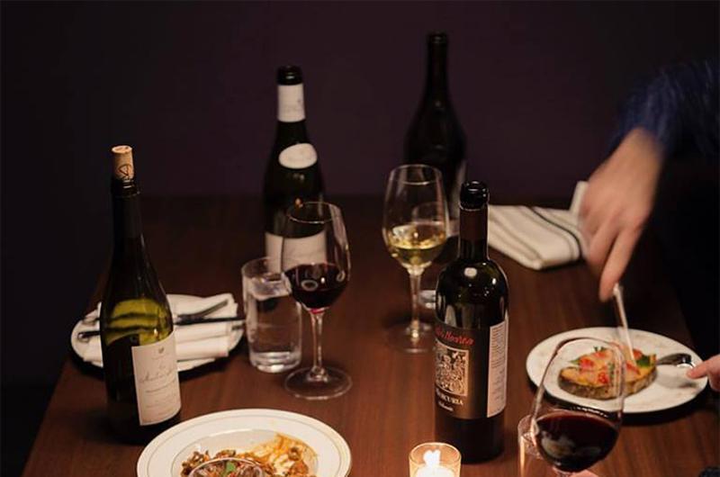 wine bottles table