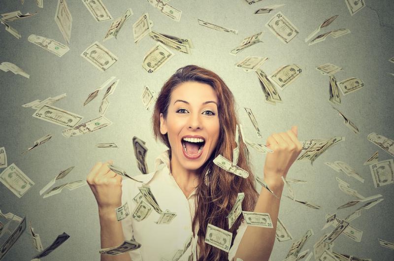 woman money rewards
