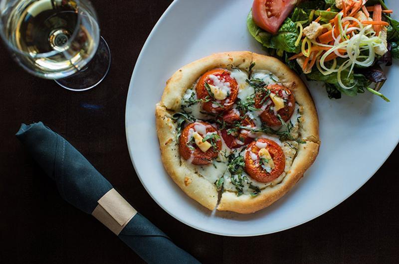 yard house pizza salad