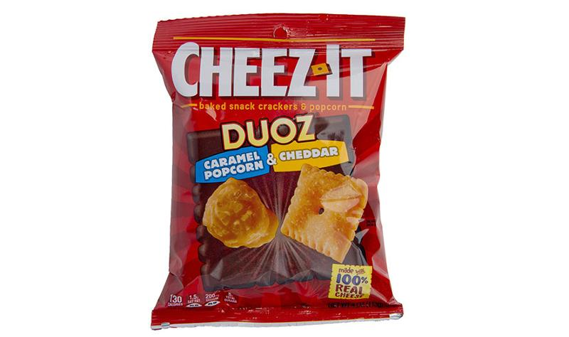 kelloggs cheez it duoz caramel popcorn and cheddar