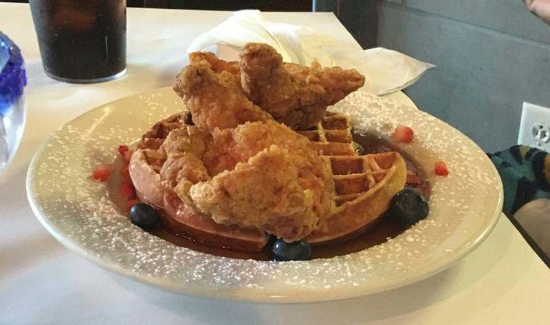 Chef Point Chicken & Waffle
