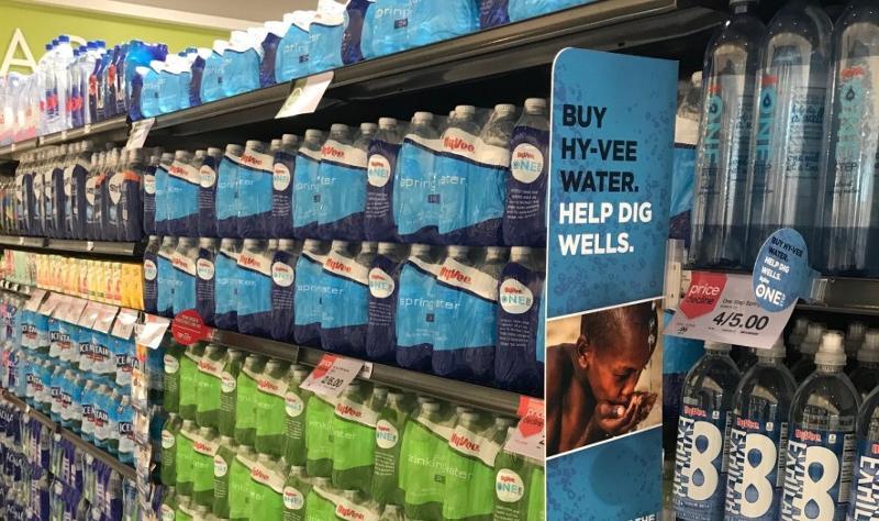 hyvee health market bottled water