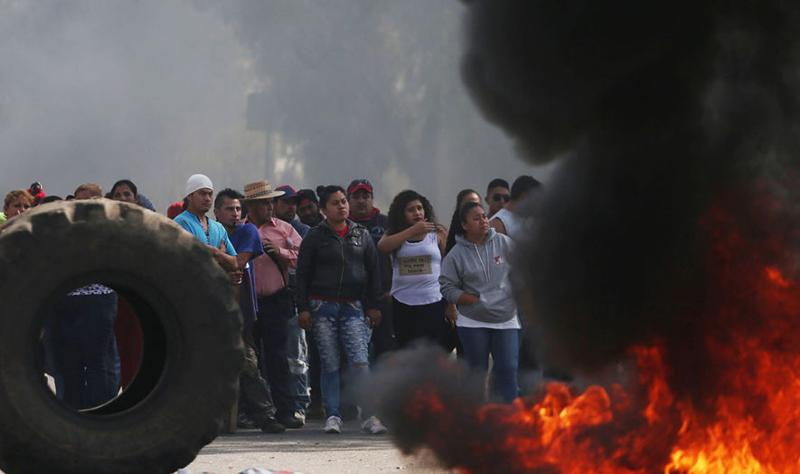 Mexicans riot against gas-price increase