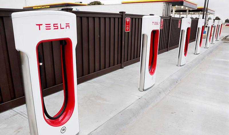 Bosselman Enterprises Tesla