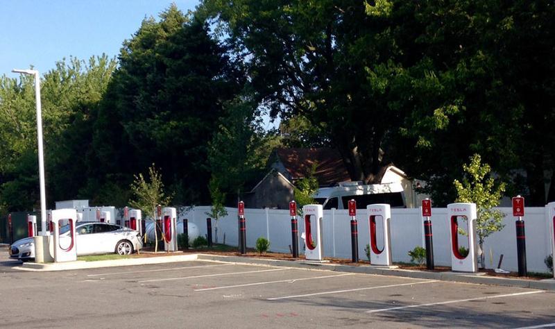 Tesla Supercharging station at Royal Farms