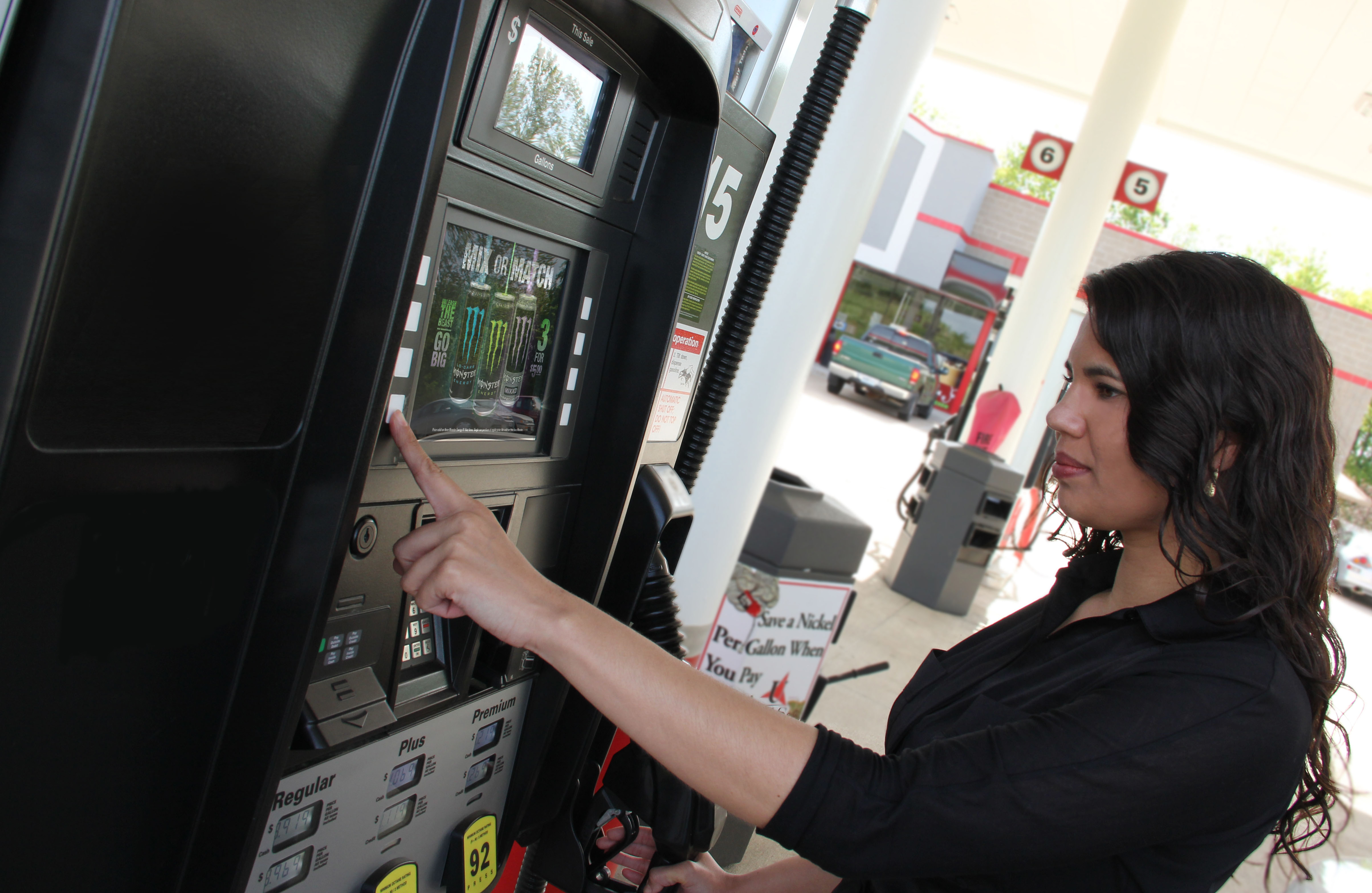 ApplauseTV at the Pump