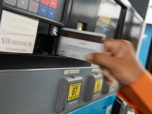 credit card swipe pay at pump