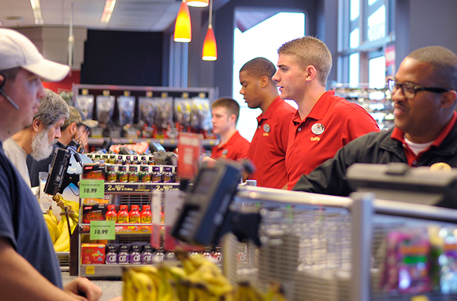 employees at QuikTrip convenience store 2015