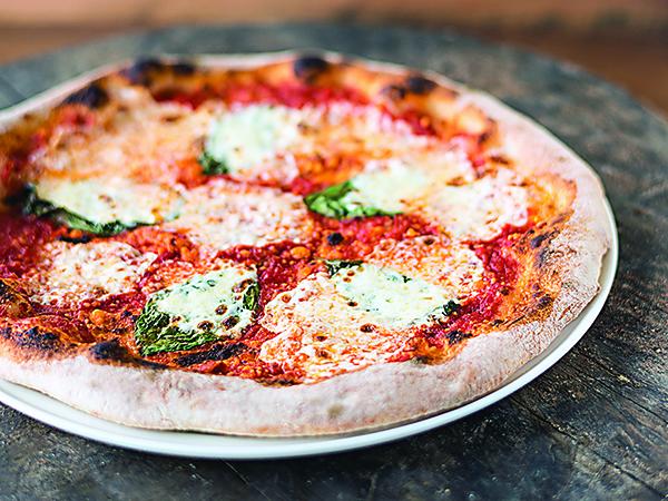Pizza Cucinova margherita pizza