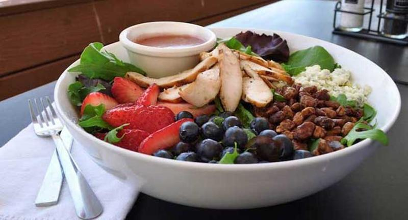 corner bakery berry salad