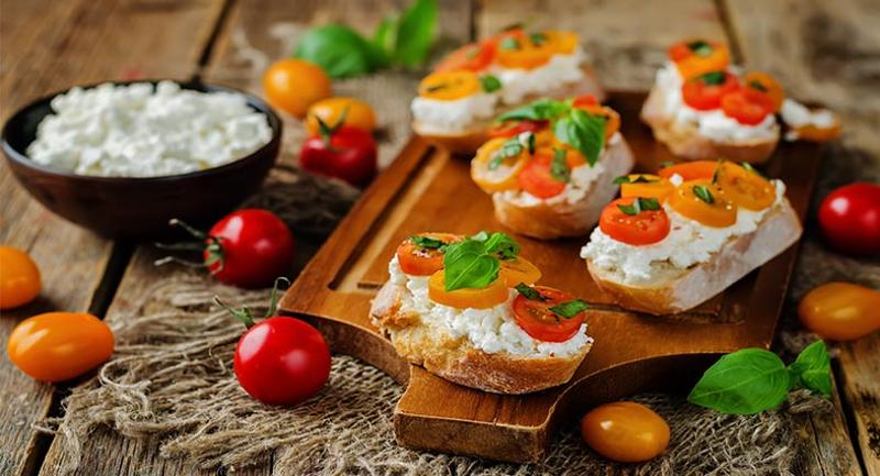 Bruschetta with herbed ricotta and roasted grapes