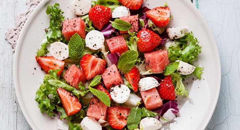 mozzarella watermelon salad