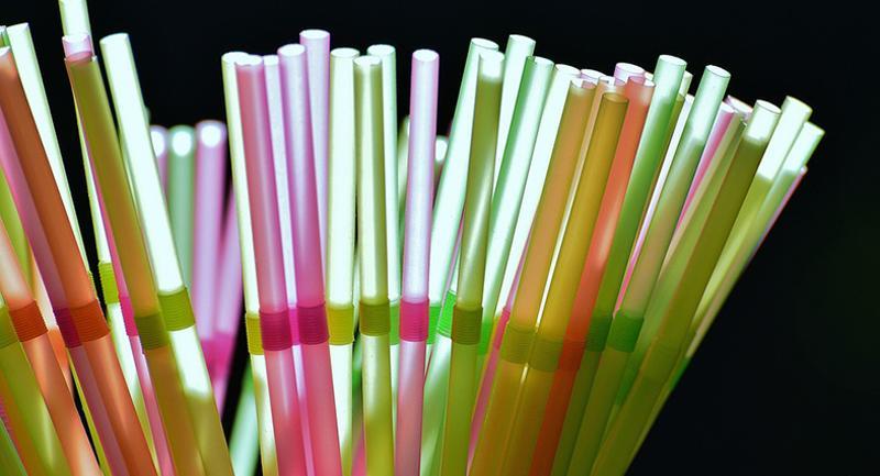 straws main