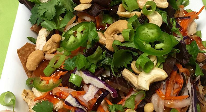 thai chicken nachos spicy peanut sauce