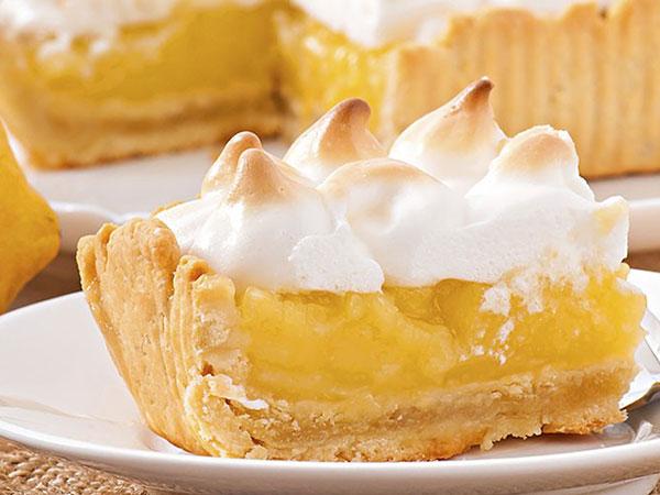 lemon merengue pie slice