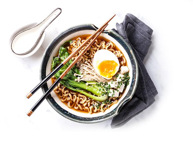 ramen bowl spoon chopsticks