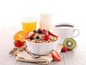 healthy breakfast oatmeal fruit