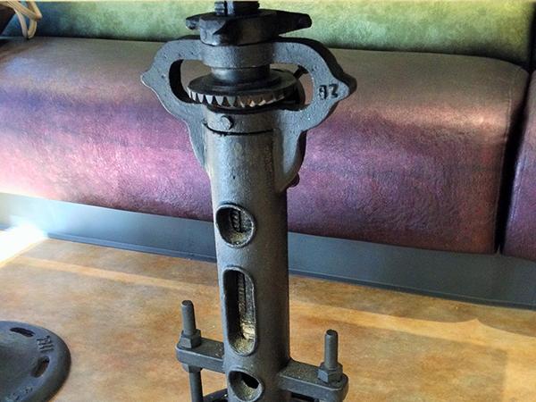 vintage mechanical base