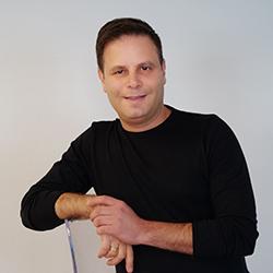 Guy Bloch