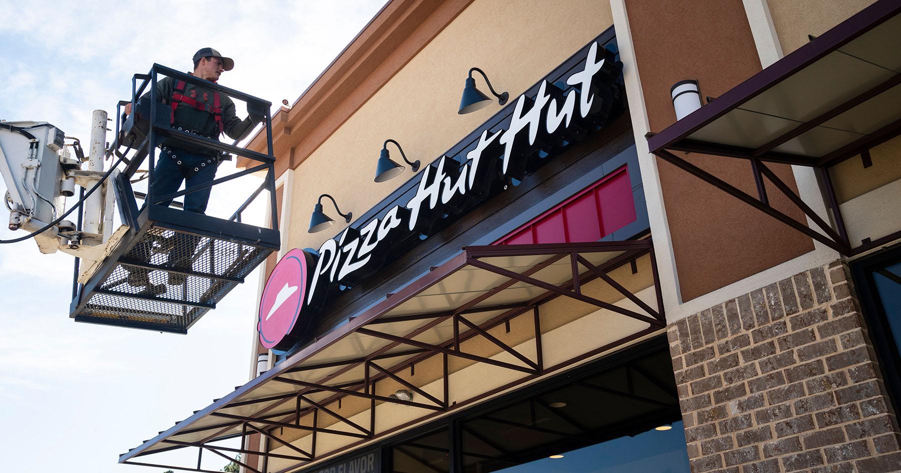 Pizza Hut hut