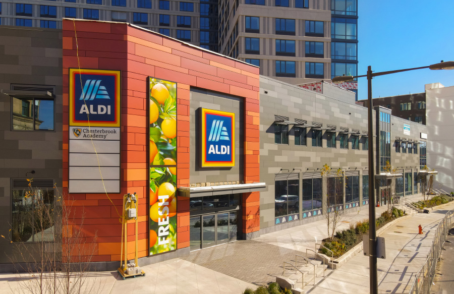 Aldi Philadelphia exterior entrance
