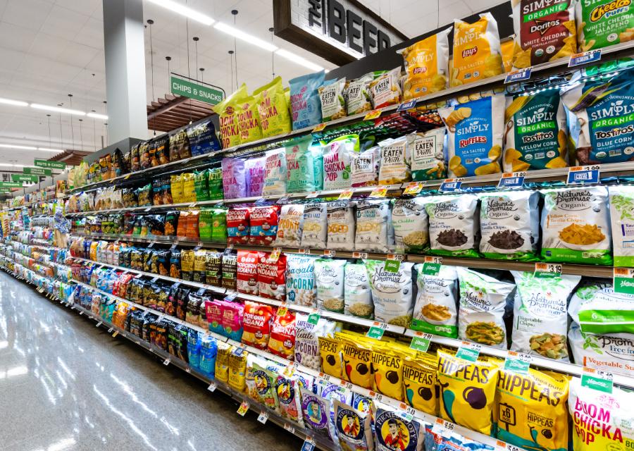 Giant Food chip aisle