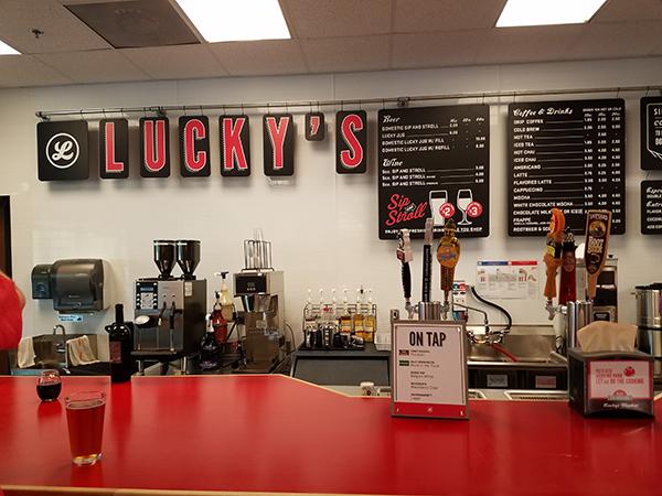 lucky's bar