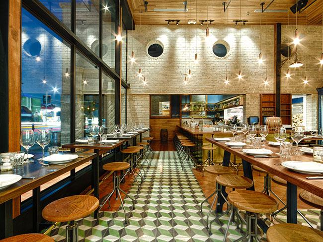 interior facing bar