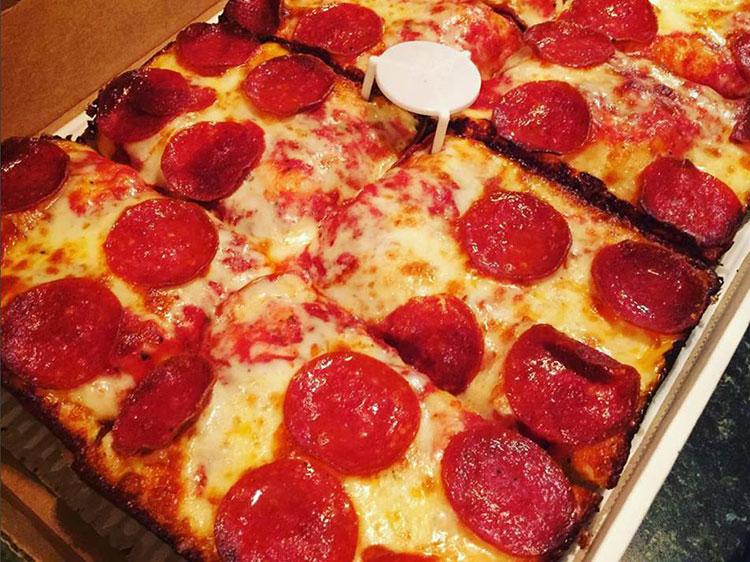 Xoom controversy jets pizza