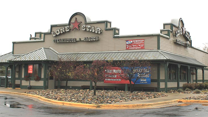 lone star steakhouse exterior