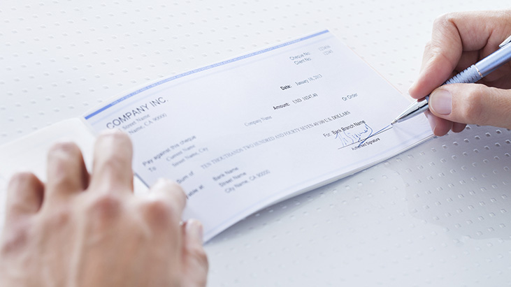 Is severance pay required if a restaurant closes?