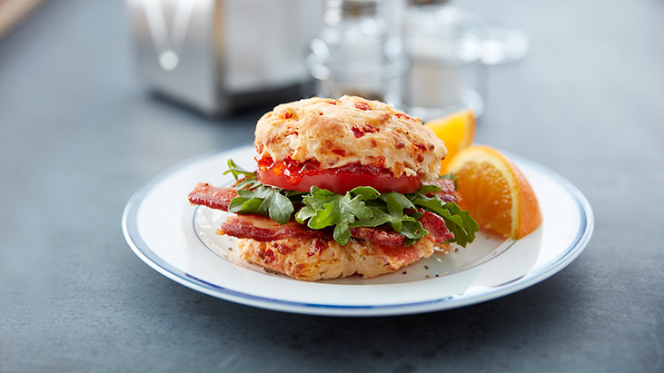cafe williams hardware blt biscuit