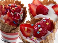 Strawberry Yogurt Cones