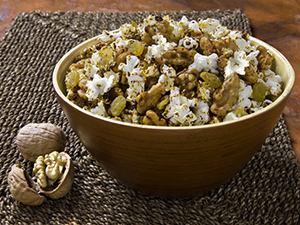 Spicy Fruits and Walnut Popcorn