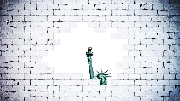 statue liberty wall