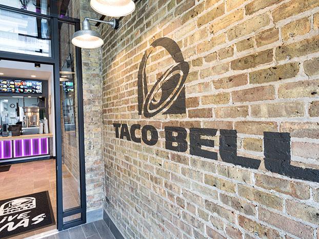 taco bell entrance