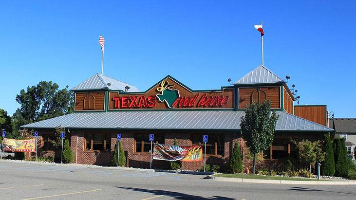 texas roadhouse exterior