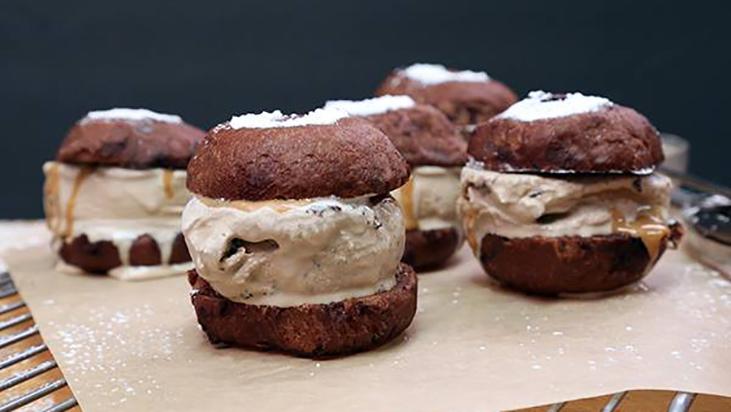 umami burger dessert sliders