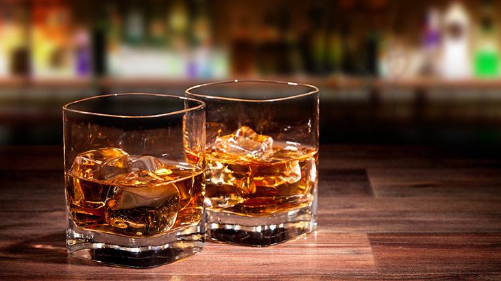 whiskey glasses bar
